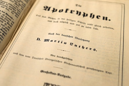 book-1550114_1280