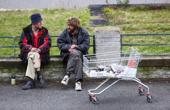 homeless-1152516_960_720